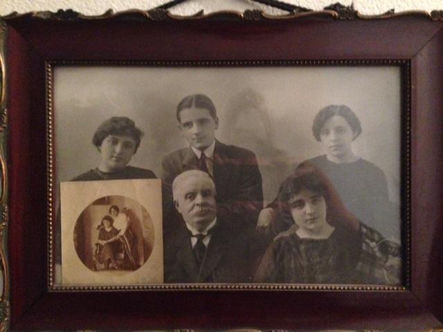 Daniel Berjano y parte de sus hijos